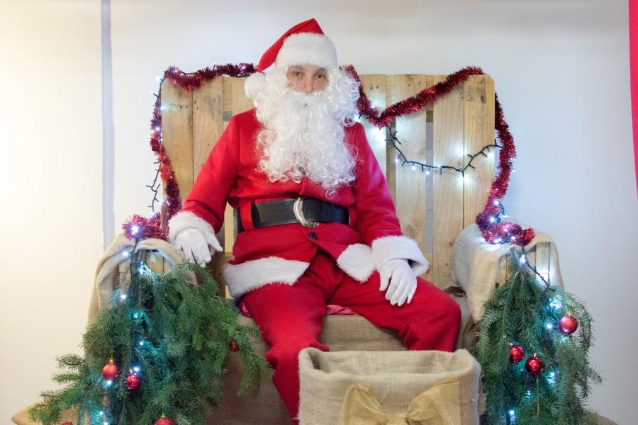 A Che Ora Arriva Babbo Natale.Babbo Natale A Casa Tua
